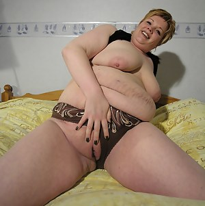 Free Fat MILF Pussy Porn Pictures