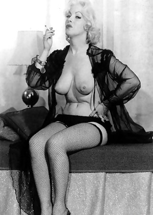 Free MILF Vintage Porn Pictures