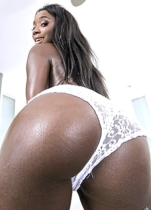 Free Black MILF Ass Porn Pictures