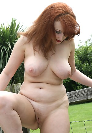Free MILF Shaved Pussy Porn Pictures