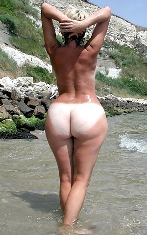 Free MILF Beach Porn Pictures