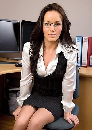 Free MILF Secretary Porn Pictures